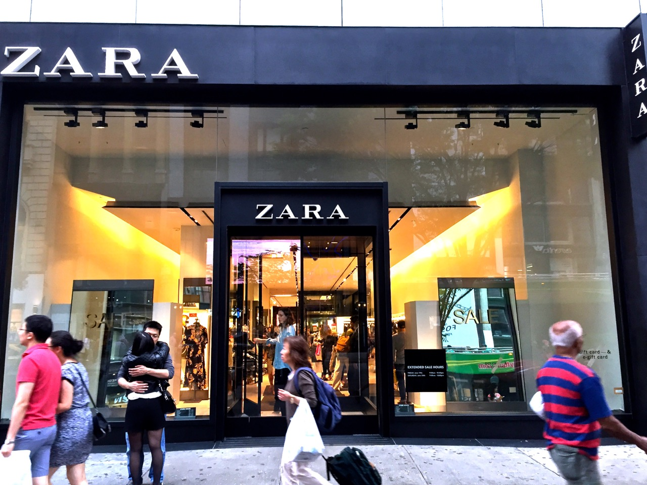 zara th st nyc impact storefront designs zara 34th street storefront