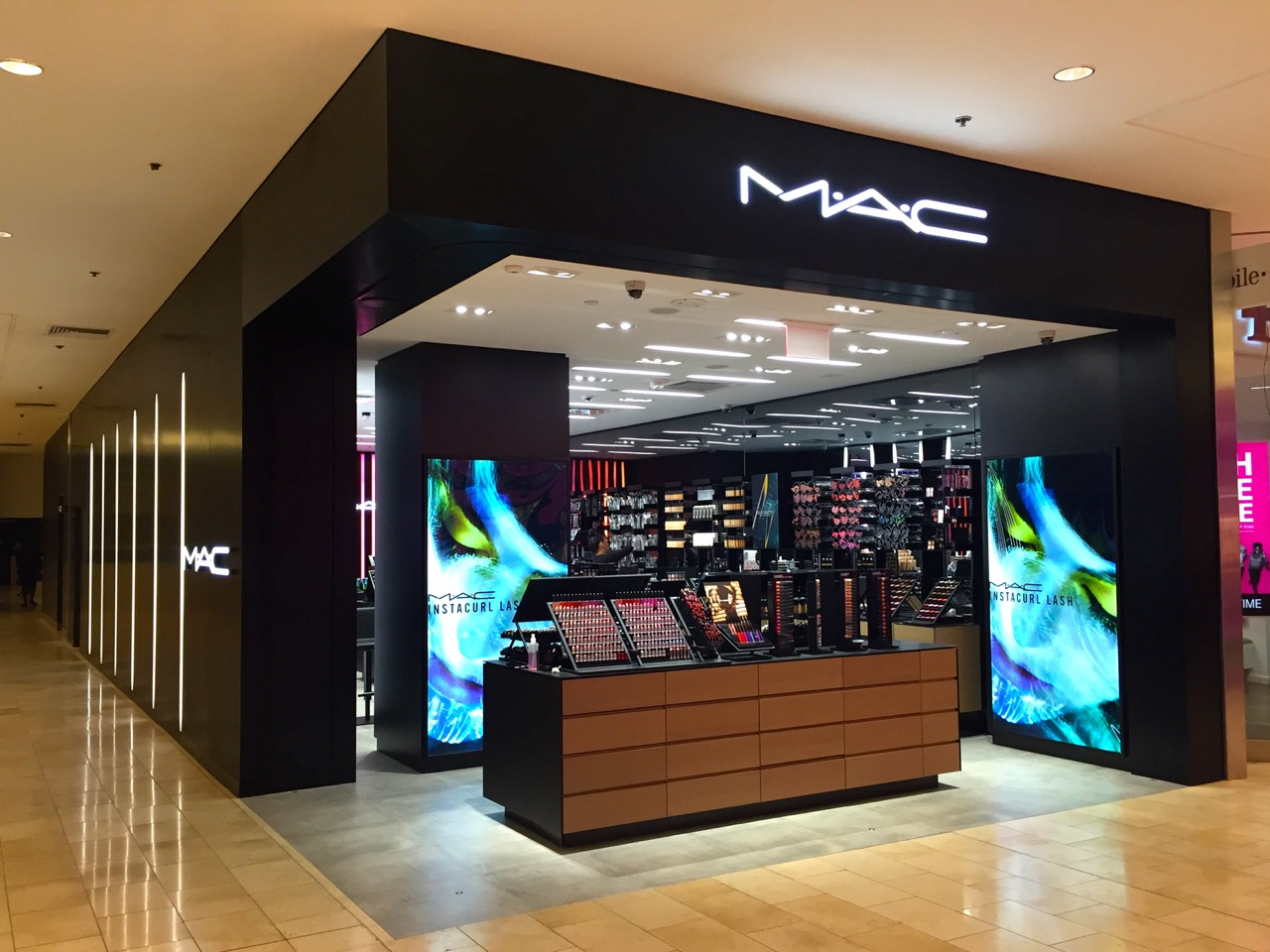 Mac paramus nj impact storefront designs for Apple store in garden state plaza